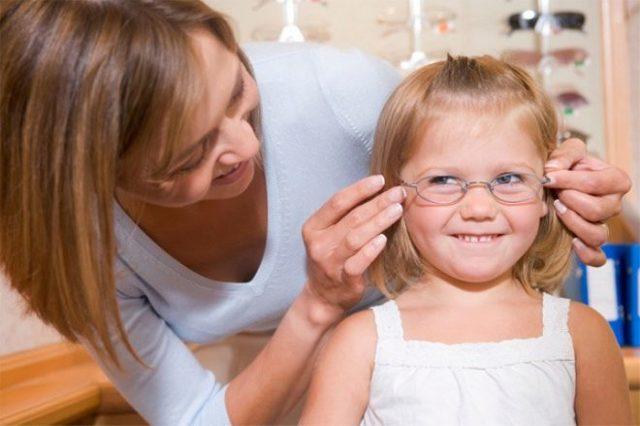 Астигматизм у дітей: лікується чи ні у дитини до року, причини, лікування